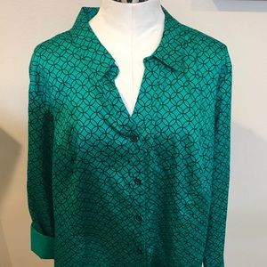 CATHERINES green and black printed button down top